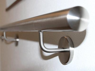Edelstahl Handlauf Halter - Detail von der Seite