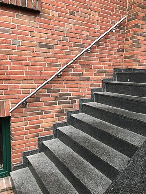 Edelstahl Treppenhandlauf gerade, Blick von der Seite