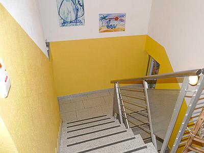 Treppenhaus, oberer Teil noch ohne Wandhandlauf