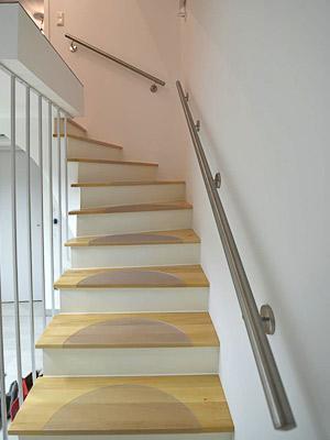 Handläufe gerade für Treppe zum Keller