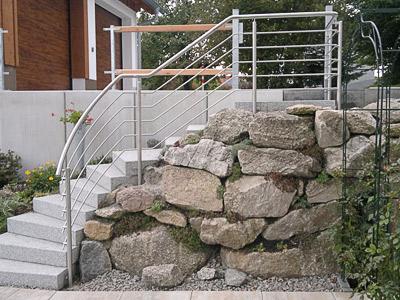 Treppengeländer für teilweise gewendelte Gartentreppe