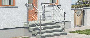 Treppengeländer aus Edelstahl für Eingangstreppen mit Querstreben