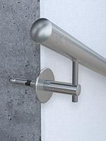 Handlauf richtig an Beton montieren