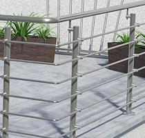 Terrassengeländer aus Edelstahl in aufgesetzter Montage mit Querstreben aus Rundmaterial 14 mm