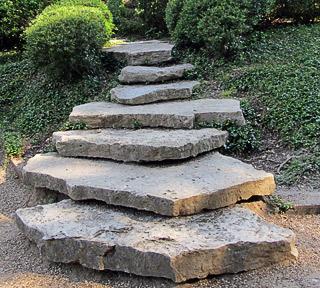 Gartentreppe - individuell gestaltet auch dafür eignet sich ein Handlauf freistehend mit Pfosten