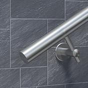 Der Handlaufdurchmesser sollte 42,4 mm betragen - Darstellung am Beispiel eines Handlaufes mit Wandbefestigung mit Rohrdurchmesser 42,4 mm