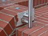 der Unterstüzungspfosten wird mit einer Wangenplatte 120x8 mm montiert, die Distanzstücklänge wurde angepasst