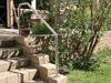 Edelstahl Geländer als Bügel Typ 3a auf einer Gartentreppe montiert