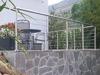 Terrassengeländer mit Drahtseilen aus Edelstahl in L-Form