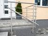 Edelstahlgeländer mit 5 Querstreben an Terrassentreppe mit zusätzlichem Handlauf  - Geländerecke