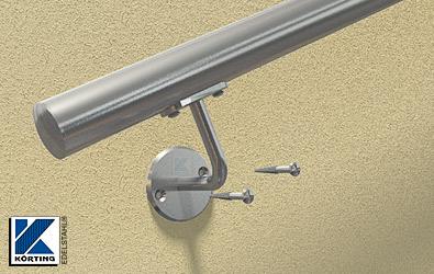 der Handlauf kann nun mit dem Senkkopf - Holzschrauben 6x60 mm aus Edelstahl angeschraubt werden