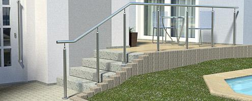 freistehender Treppenhandlauf nach Maß gefertigt - mit Unterstützungspfosten