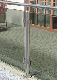 Geländerpfosten für Glasklemmen für eine Füllung mit großflächigen Glasscheiben