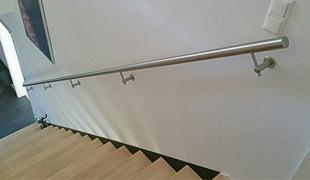Edelstahl Werkstoff Korrosionswiderstandsklasse II - V2A - Treppenhandläufe für den Innenbereich