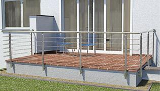abgewinkeltes Geländer in U-Form - die Pfosten stehen in drei Fluchten (90°) zueinander